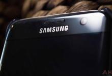 Samsung จดสิทธิบัตรสารเคลือบผิวกันรอยนิ้วมือและซ่อมแซมตัวเอง