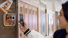 Motorola เตรียมปลุกมือถือฝาพับในตำนาน RAZR กลับมาขายอีกครั้ง