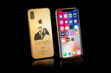 """อยากได้มั้ย?! iPhone X รุ่นพิธีเสกสมรส """"เจ้าชายแฮร์รี่"""""""